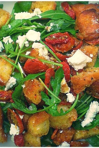 Stale Bread – Panzanella (Bread Salad)