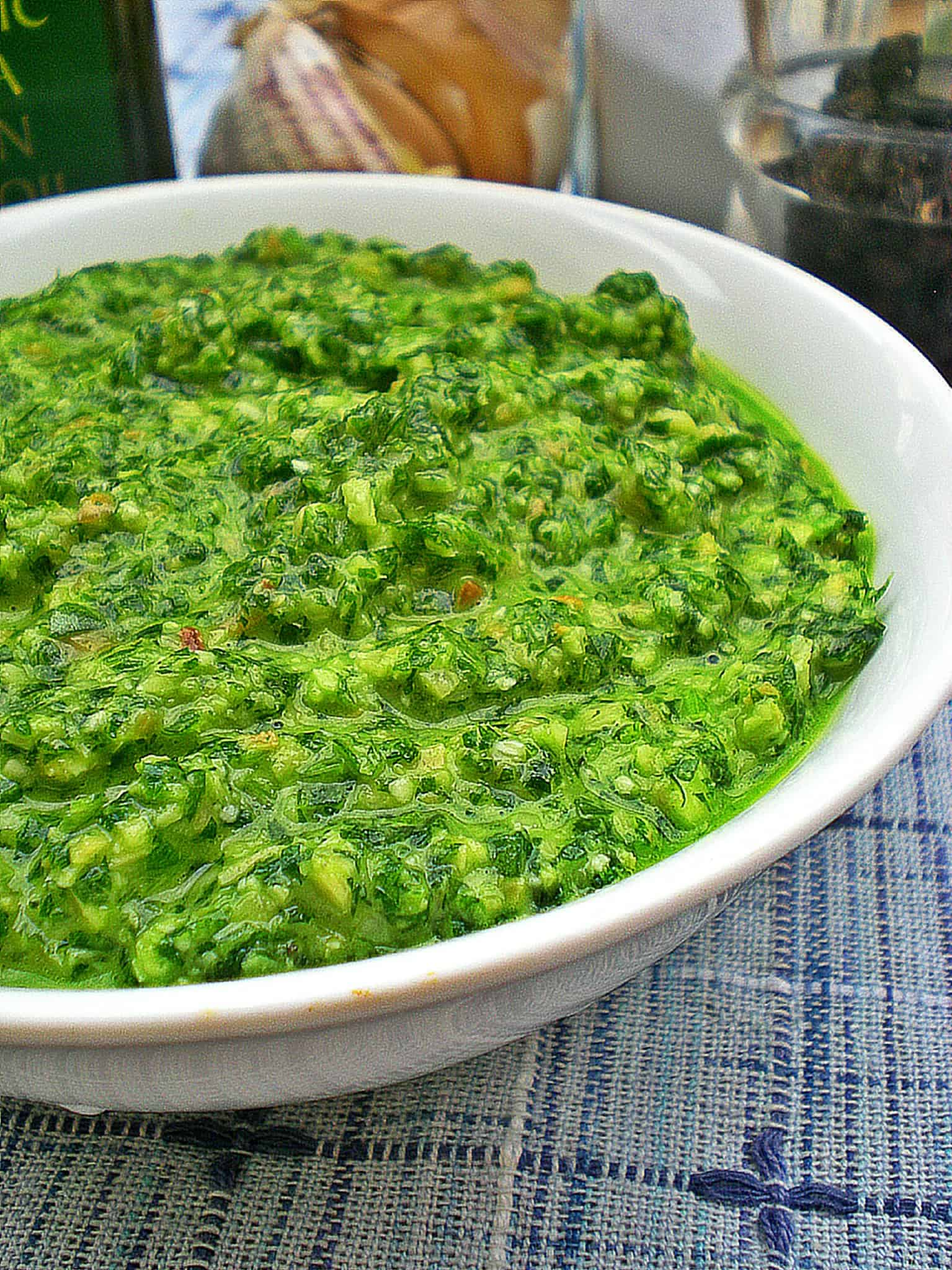 Eat More Vege – Parsley and Rocket Pesto